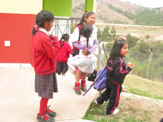Big girls treat little students like sisters.