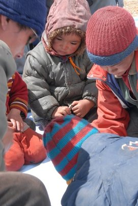 Children benefitting from the mobile school