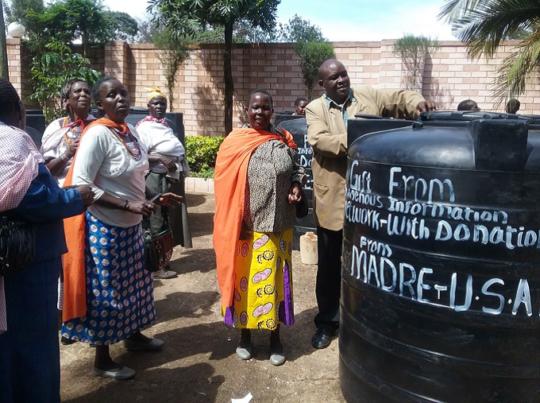 Water storage tank distribution
