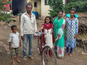 Jyoti with her family