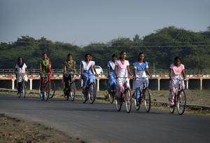 Mann Deshi Girls : Going to School