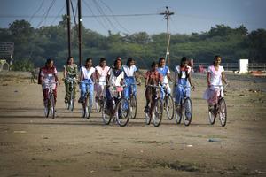 Mann Deshi Bicycle Girls