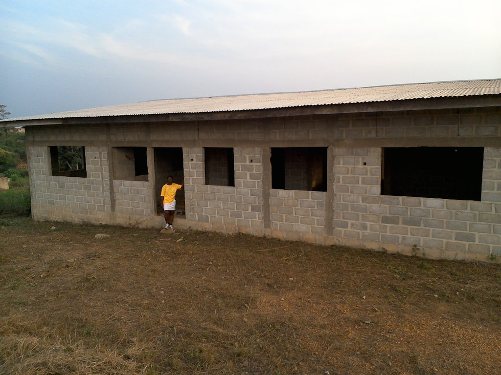 Provide housing for 100 Ebola affected orphans