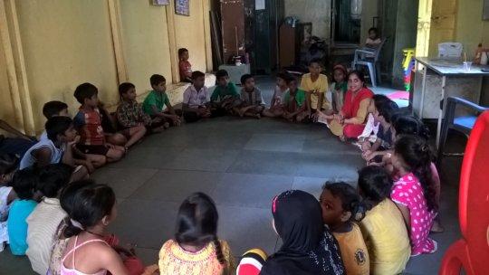 Teacher's teaching Children Play lessons