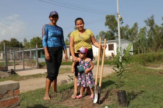 Community orchard planting in El Salvador in 2018