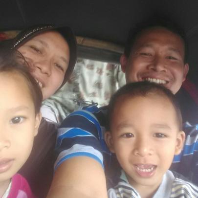 Paridi and his family