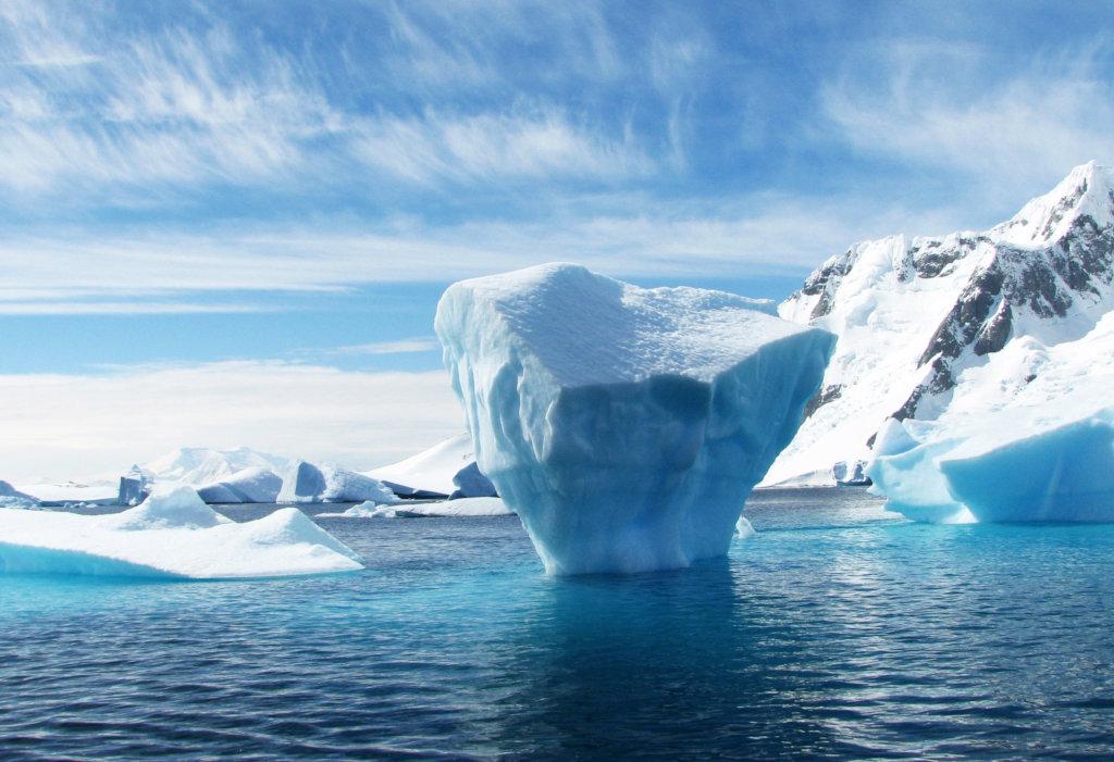Iceberg flow in Greenland  - goodfreephotos.com