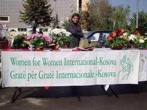Kosovar Women in the Market