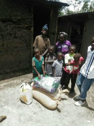 Street Smart Family worker with reintegrated child