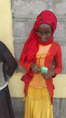 Children receive glasses!