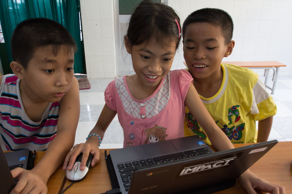 Equip Mobile Learning Lab for 450 Vietnam orphans