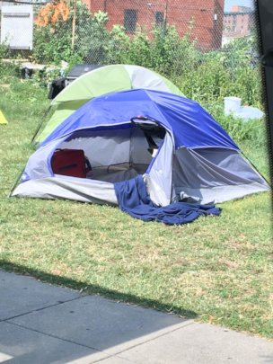 Temporary Shelter from Heat for Homeless Children