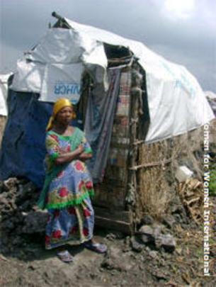 Woman at Mugunga camp.
