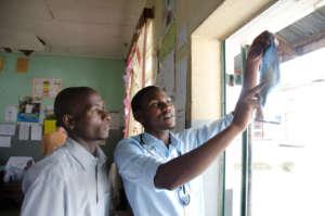 ECPs, Alfunsi & Owen, reading an x-ray
