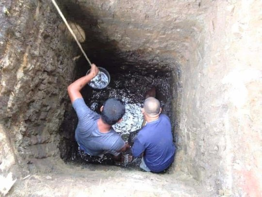 The school parents made a plan to build the well