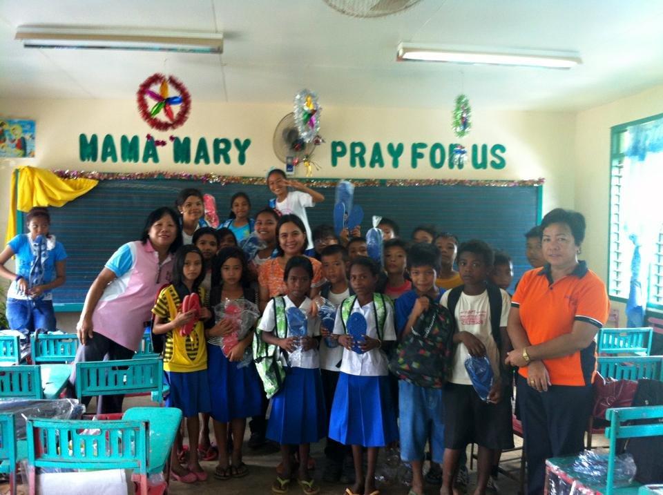 Filipino Catholic children at Angub ES, Visayas