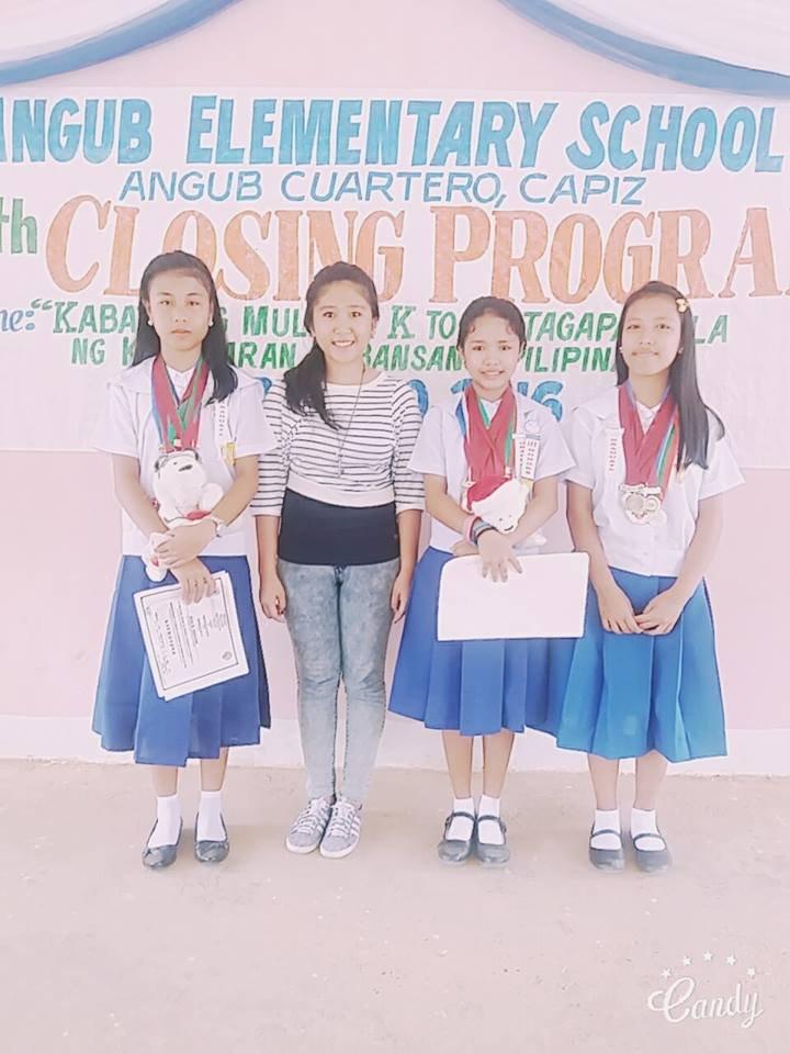 Filipino and HIlltribe graduates at Angub ES