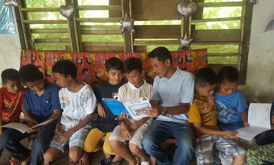 Summer Reading program in Sulu with AAI books