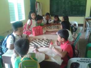 Well fed Chess players at Pasil Elementary