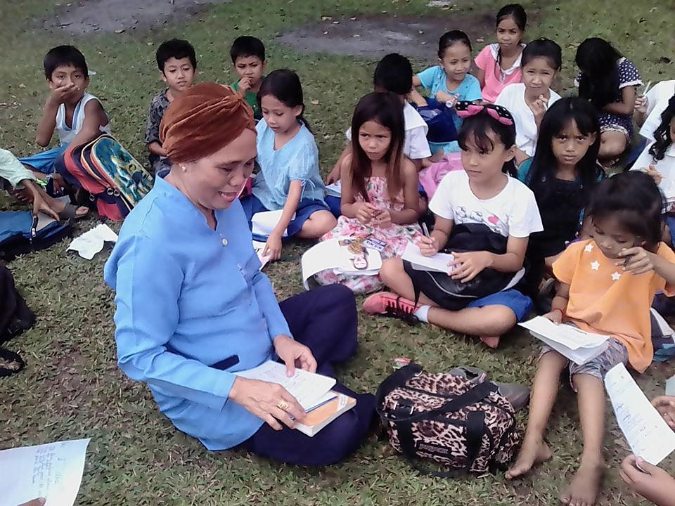 Outdoor classroom with AAI books