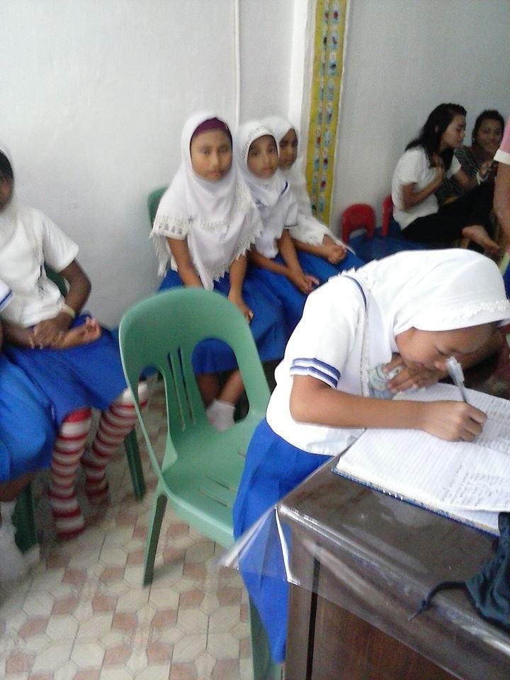 Munding Mini Nurse applicants taking test