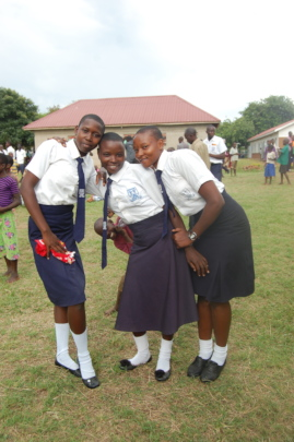 ORPHAN GIRLS AFTER TRAINING IN REUSABLE PADS