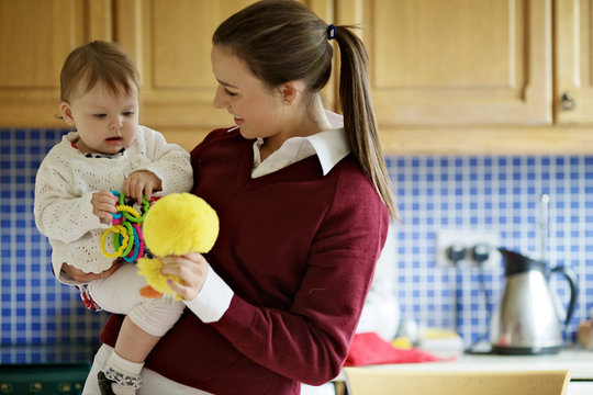 Support Teen Parents to Thrive in Ireland