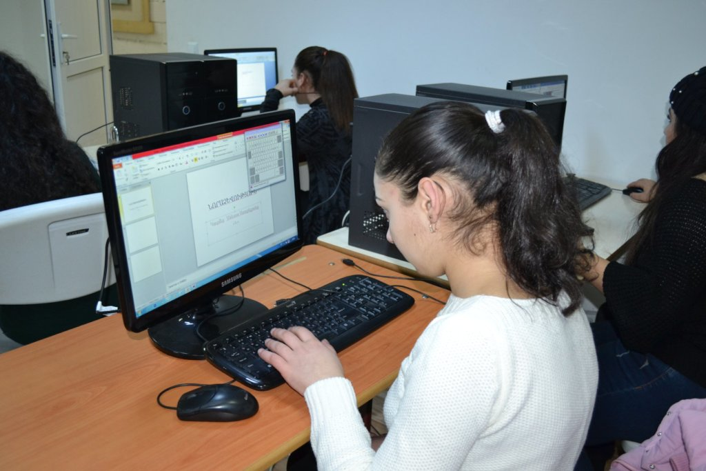 Reports on Computer Classes for Creative Minds - GlobalGiving