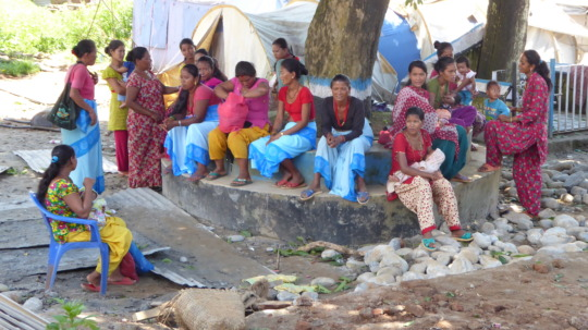 FCHVs with new mothers preparing for training