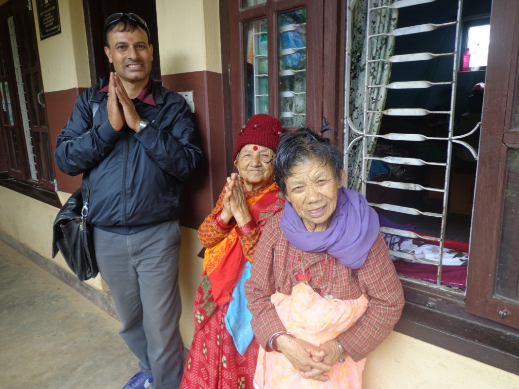Provide food for 100 elderly people in Nepal