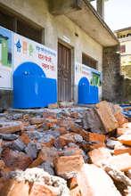 Earthquake damage at a school Splash serves
