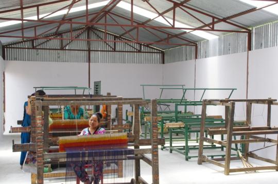 Looms set up inside Bhaktapur Community Center.