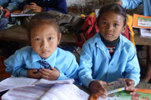 Earthquake affected children receive books