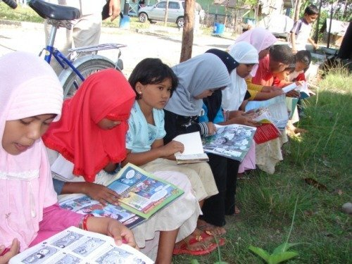Education for 100 Banda Aceh orphans