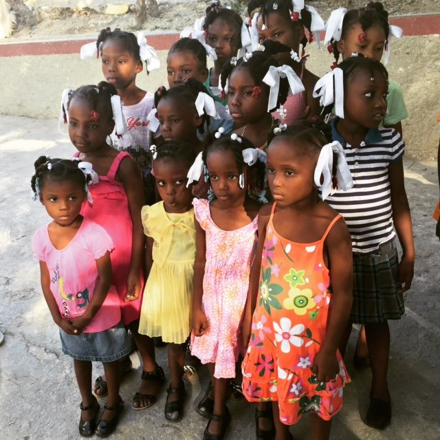 Textbooks for 851 primary school children in Haiti