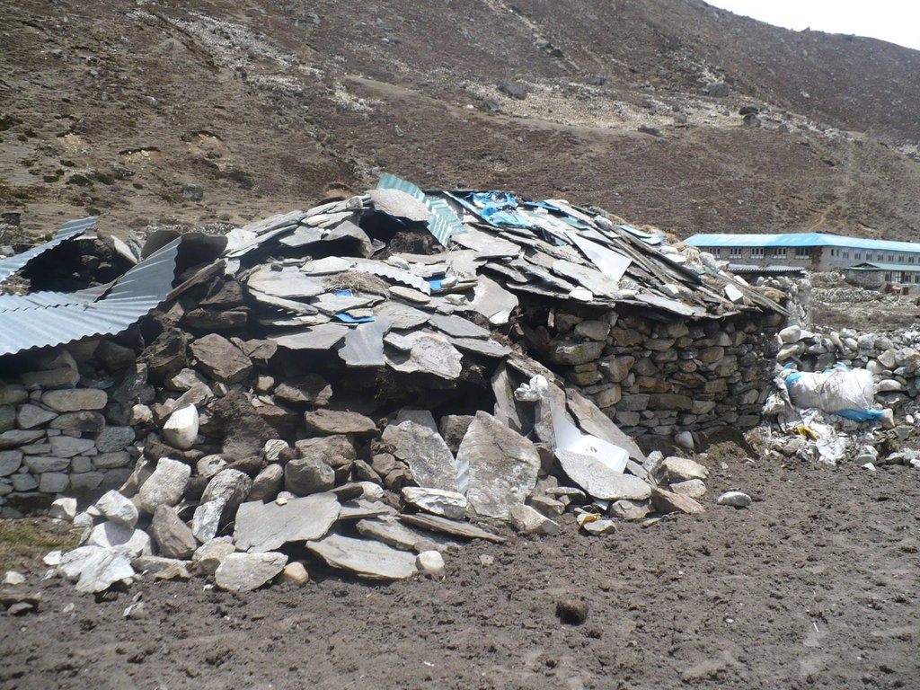 Rebuilding & aiding mountain communities in Nepal