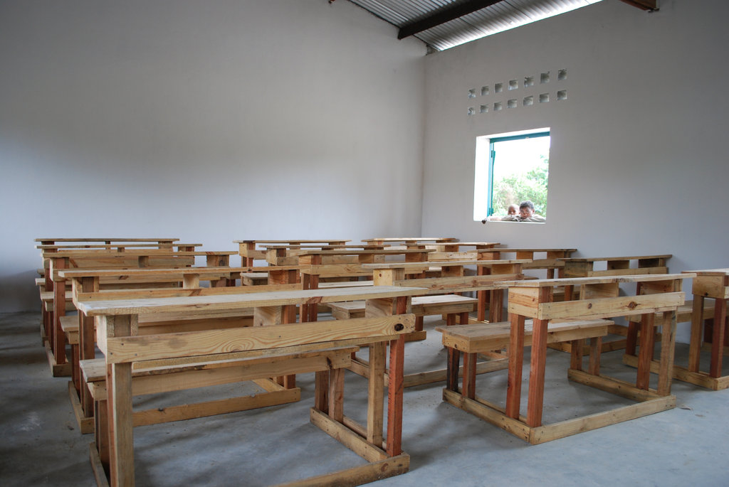 Help us Build Manambaro Lycee