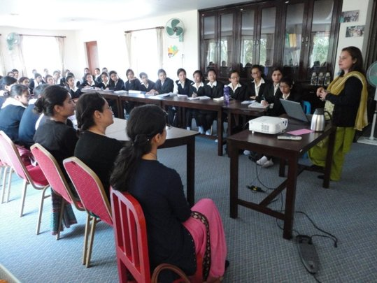 Medical students attend a NRH training session