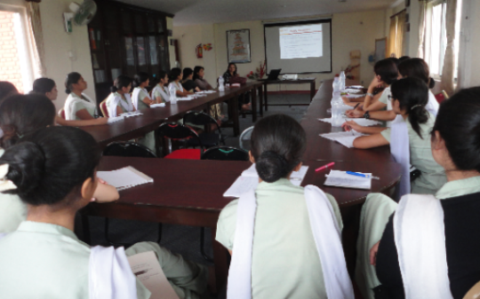Medical students at a nutritional training course