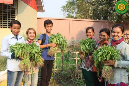 Chomrong's class with their vegetable stipends