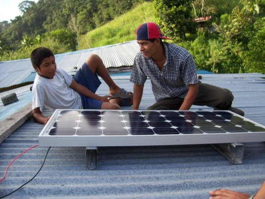 Solar energy for families in Santo Domingo, Panama