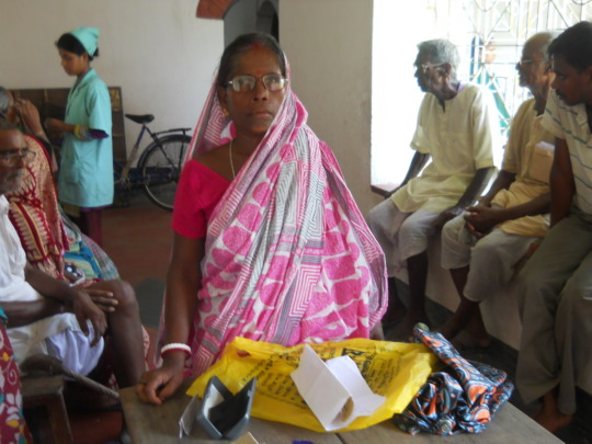 Free spectacles support to elderly people