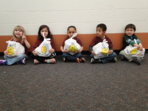 Columbian Elementary Students and PowerSacks