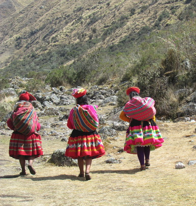 The promotoras on their way to Chupani