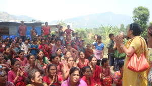 Relief distribution in Chatredeurali, Dhading