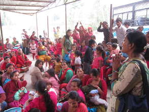 Women in temporary camps in Nala, Kavre