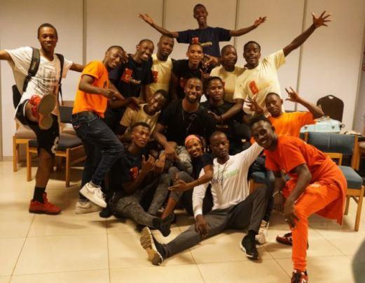 MindLeaps dancers with choreographer LaMar Baylor