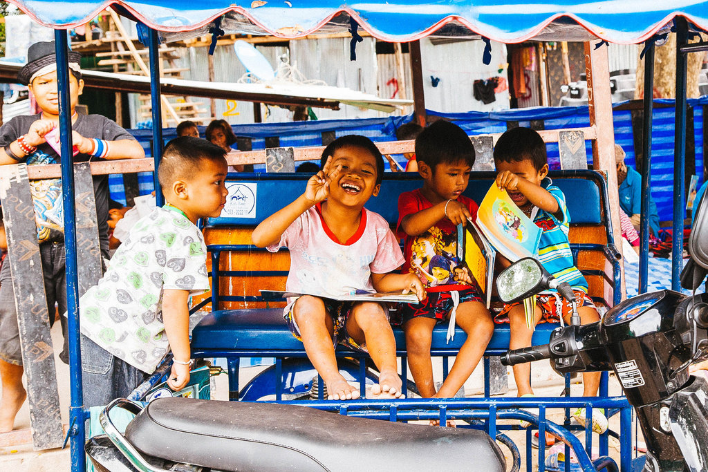"Thailand's ""Flying Library"" for over 500 children"