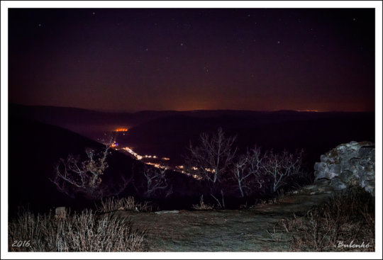 Szogliget from Szadvar by night (G. Bubenko)