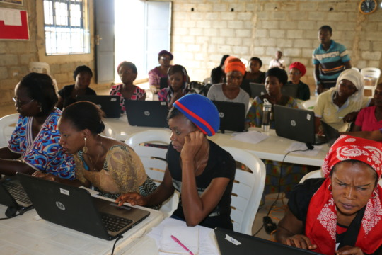Women in the Dutse Baupma training